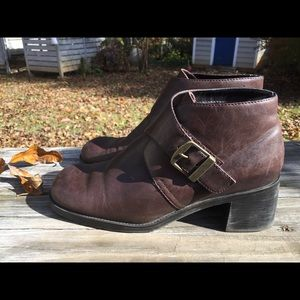 Vintage 90's Buckle Heeled Brown Witch Boots🌿